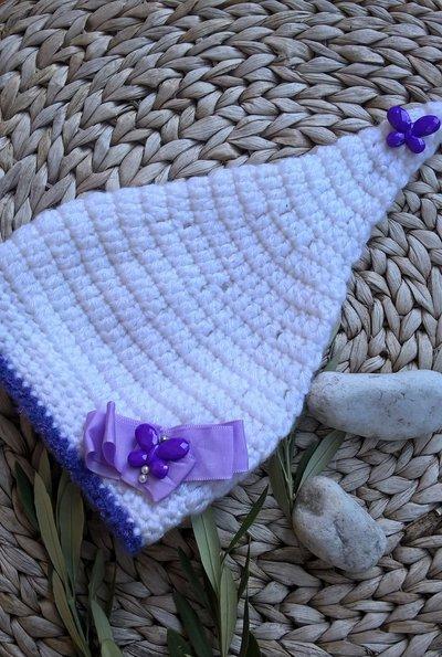 Cappellino particolare neonata uncinetto