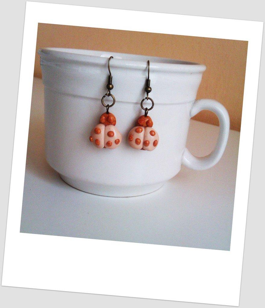 Orecchini in fimo eleganti handmade coccinelle portafortuna oro idee regalo compleanno bomboniere