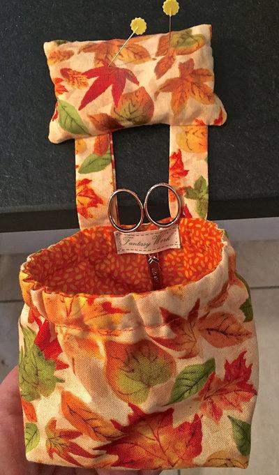 sacchettino raccogli fili per chi cuce