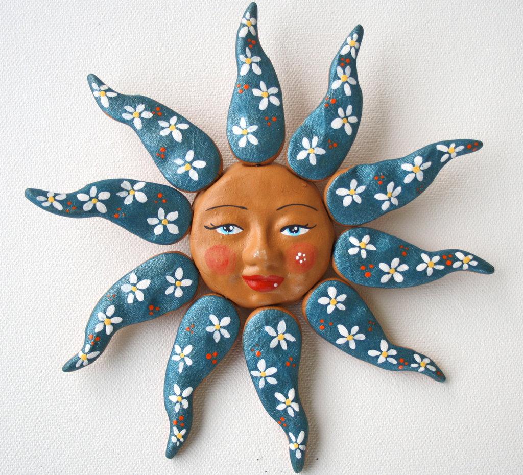Sole da appendere a parete in terracotta dipinto a mano / Bomboniera (9)