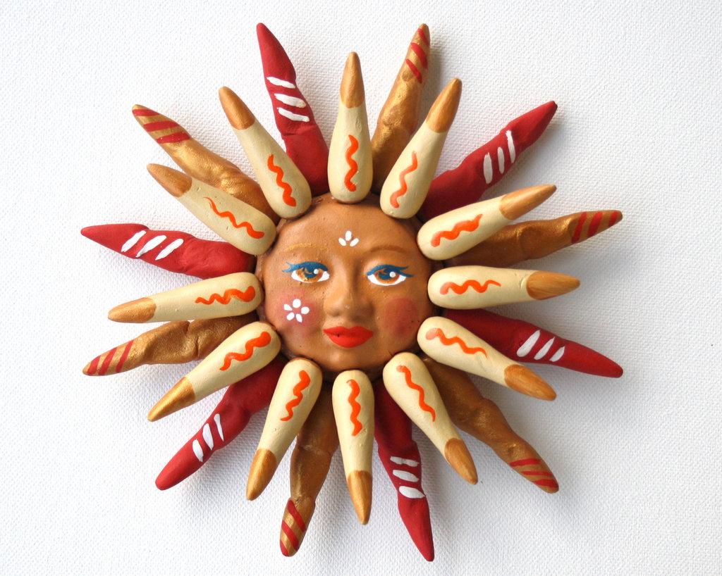 Sole da appendere a parete in terracotta dipinto a mano / Bomboniera (15)