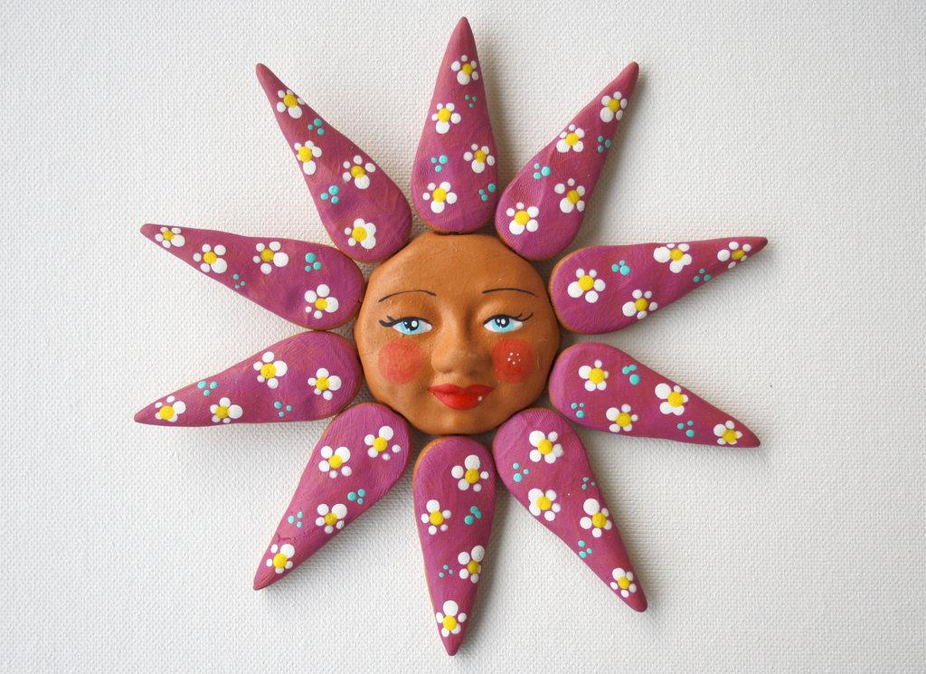 Sole da appendere a parete in terracotta dipinto a mano / Bomboniera (19)
