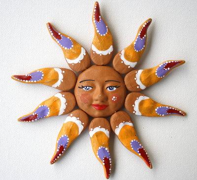 Sole da appendere a parete in terracotta dipinto a mano / Bomboniera (20)