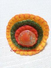 Anello regolabile in pannolenci arancione cucito a mano