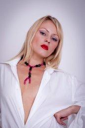 Collana in onice e rubini con chiusura in argento fatta a mano - Onyx and ruby necklace with silver closure handmade