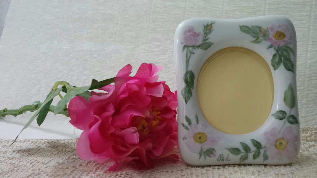 portafoto in ceramica dipinto a mano
