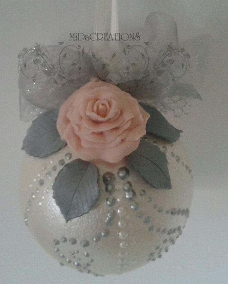 Sfera di Natale -ROSA in argento,decorata a mano