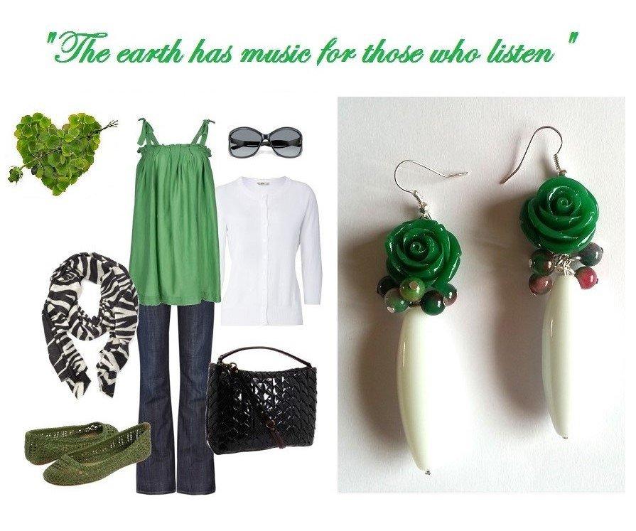 """Orecchini """"Green roses"""" con agata bianca, perline di agata e rose verdi"""