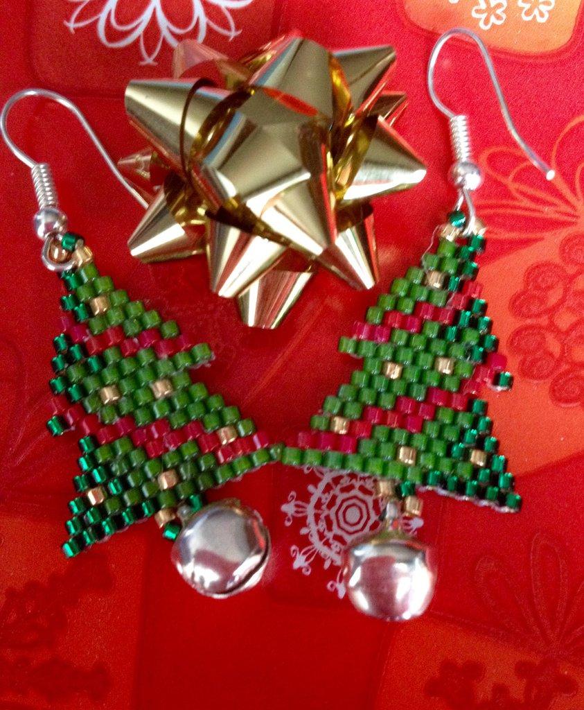 ~ Christmas Earring ~ Christmas tree Earring ~ Orecchino albero di natale con perline miyuki e campanellino