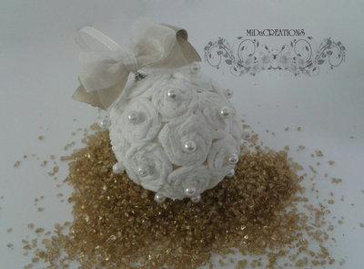 Sfera di Natale - Bianco Natale fatta a mano con le perline
