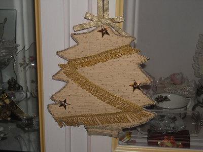 Addobbo a forma di albero di Natale beige