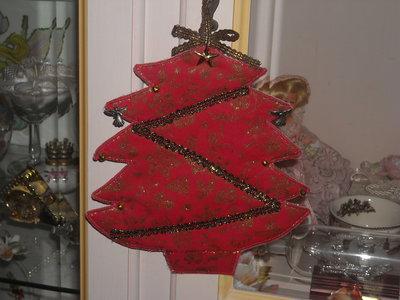 Addobbo a forma di albero di Natale rosso