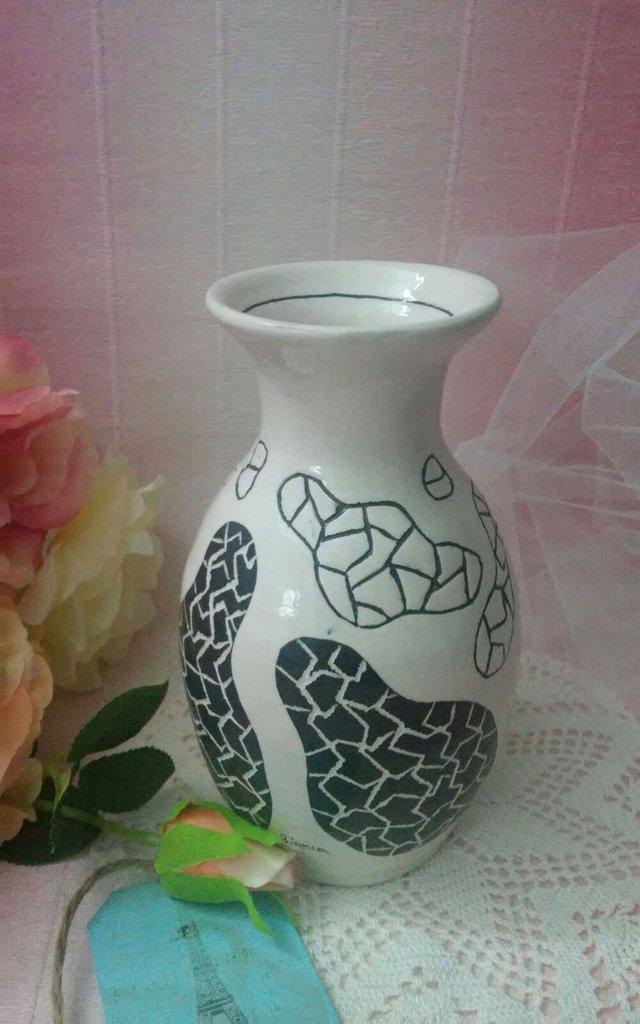 *Vaso in terracotta cesellato a mano*