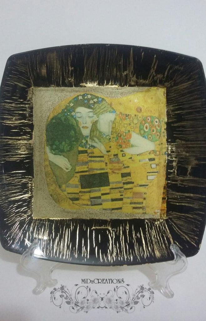 Piatto decorativo ,,IL BACIO,, fatto a mano