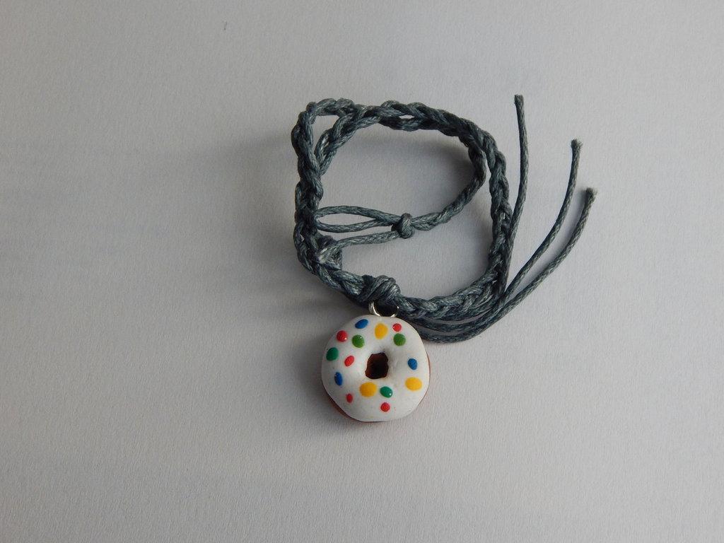 Braccialetto a corda intrecciata con Ciambella con glassa