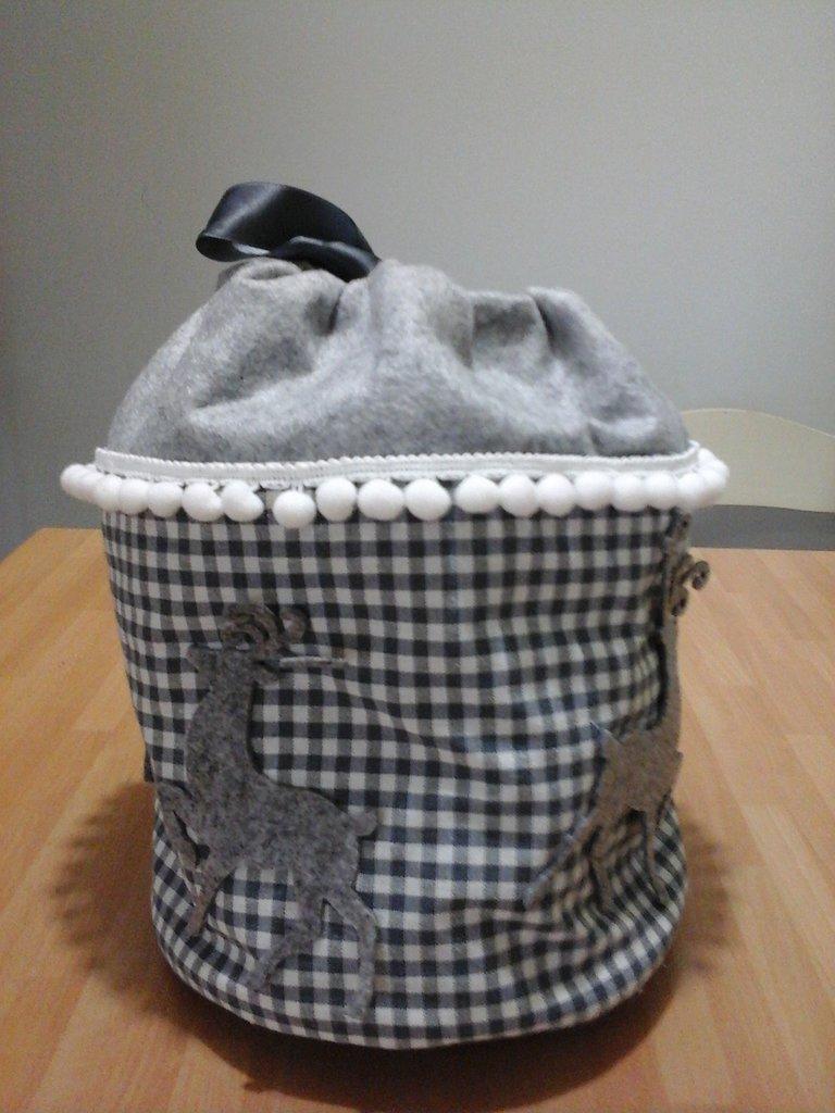 Portapanettone in tessuto e feltro