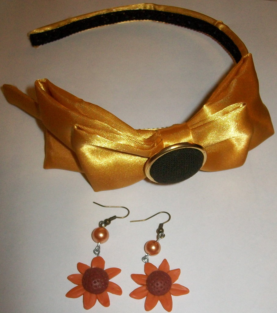 Cerchietto dorato + orecchini girasole