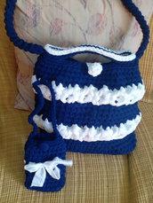 Borsa in fettuccia lavorata a mano color blu e bianca con portacellulare
