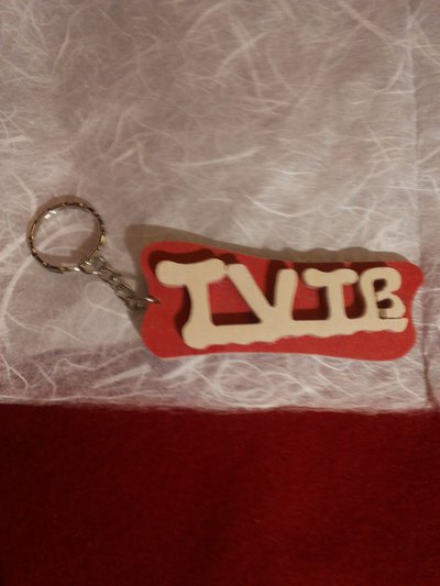 """Portachiave in legno """"TVTB"""""""
