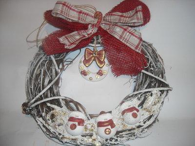 Ghirlanda natalizia in rattan  con gessetti