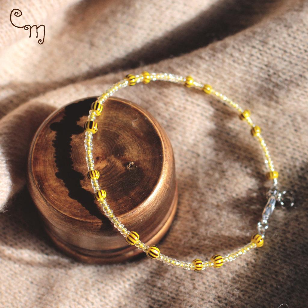 Bracciale semirigido con perle in vetro gialle - B.20.2015
