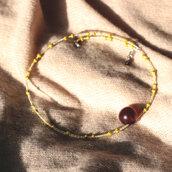 Girocollo con perle in vetro giallo e bottone vintage - C.76.2015