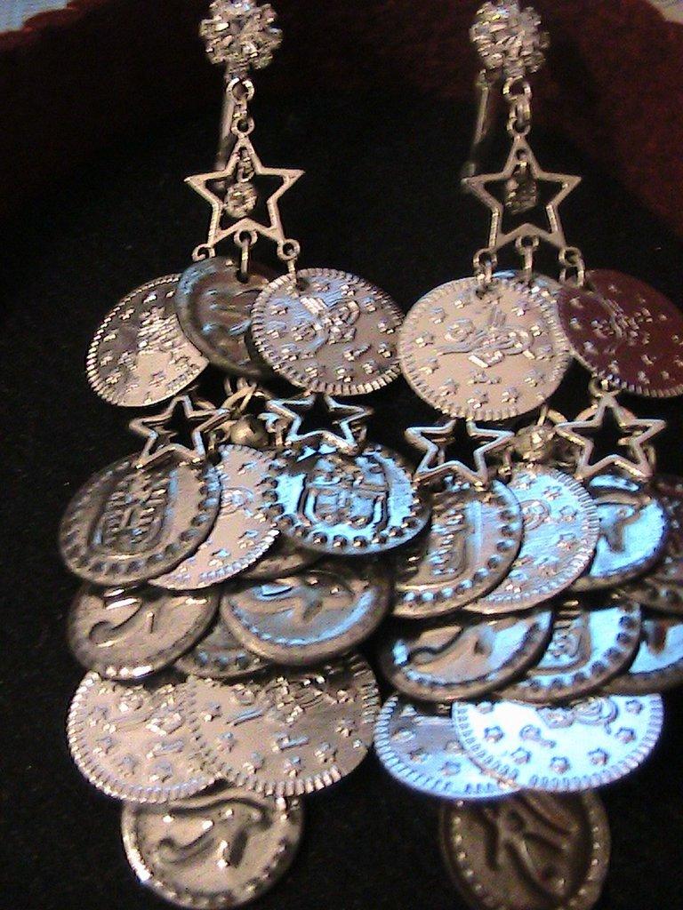 Orecchini argento con monete egiziane e strass