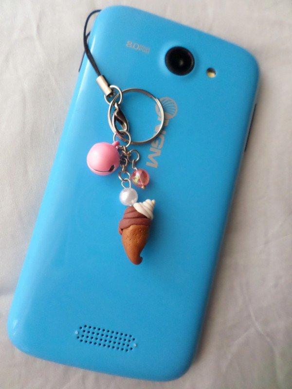 Cono Gelato con campanellino e perline rosa - ciondolo portachiavi - strap cellulare