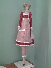 bambola di stoffa fatta a mano