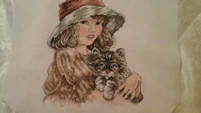 "Ricamo artigianale "" bimba con gattino """