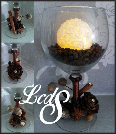 Centrotavola bicchiere con candela in cera a LED