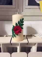 Candela decorata con rosa