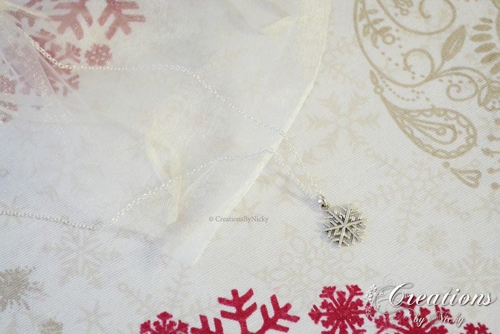 Collanina con fiocco di neve