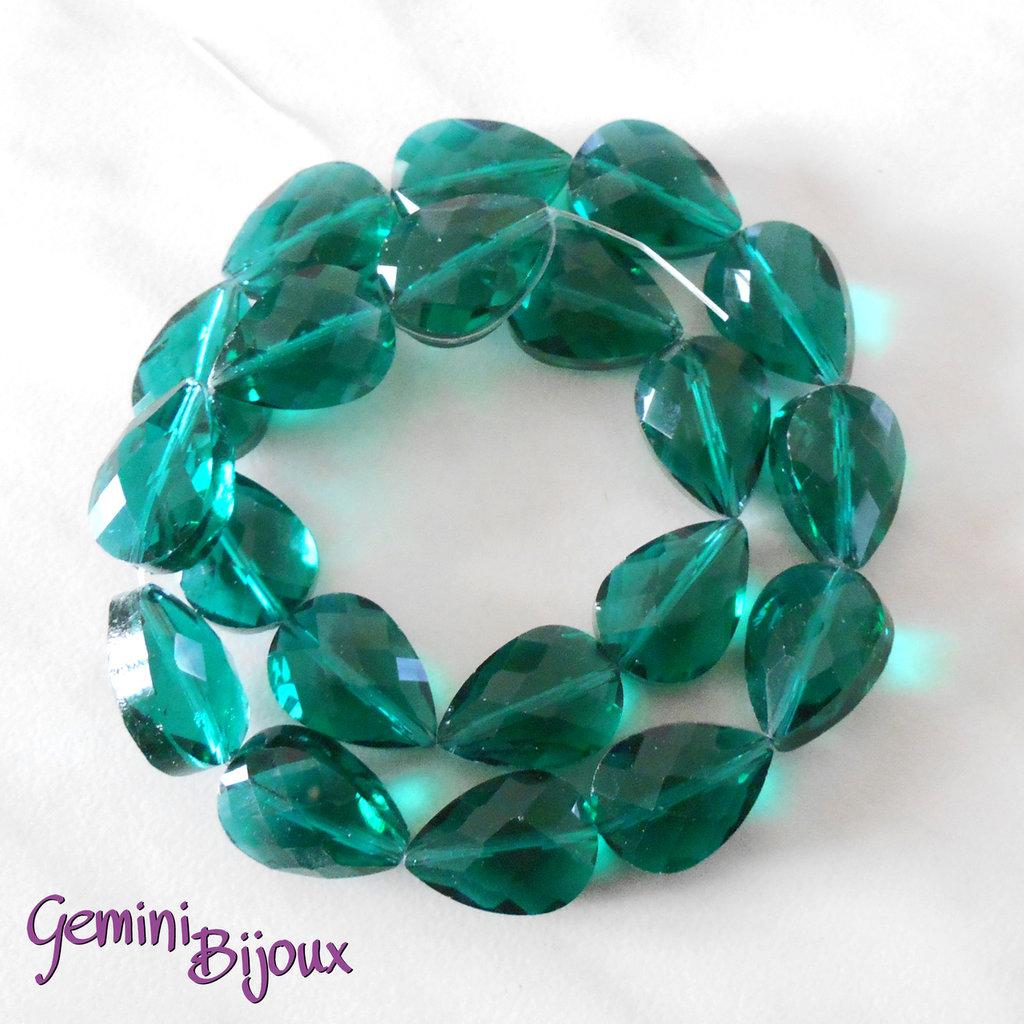 Goccia in vetro sfaccettata verde trasparente mm. 18x13x10