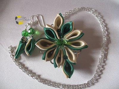 Novità Collana con medaglione filigrana Kanzashi Verde e Beige