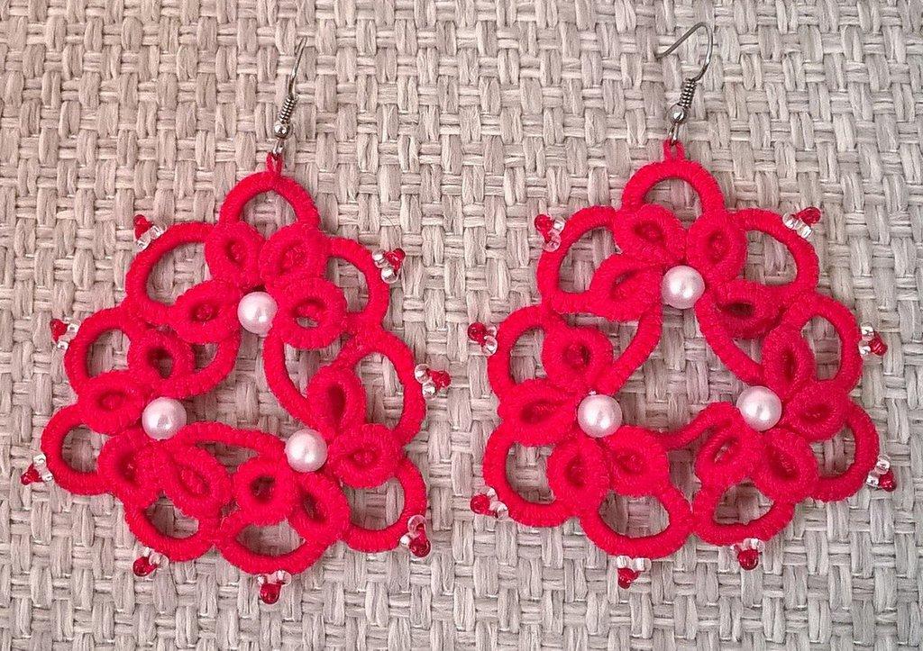 orecchini rossi con perle
