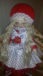 Bambola di feltro natalizia