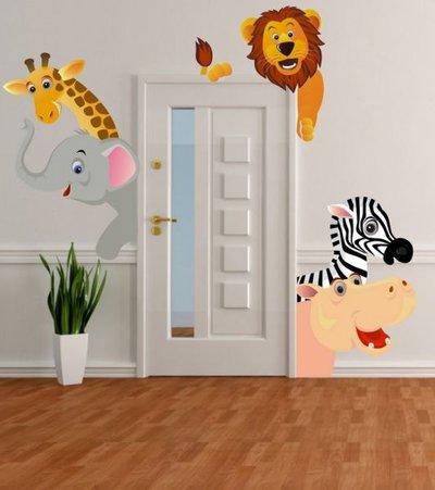 Adesivi colorati Animali intorno alla porta (2505f)