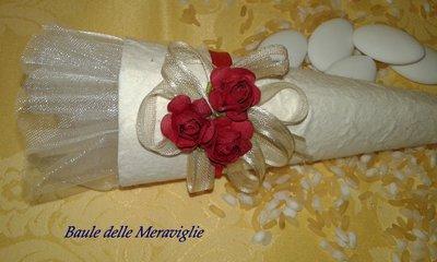 Bomboniera matrimonio o laurea cono in carta cotone - rosso