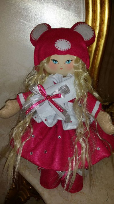 Bambola in feltro Carmen