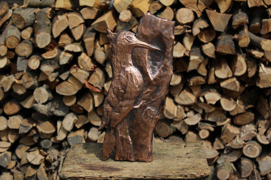 Picchio in rame da parete lavorato a mano