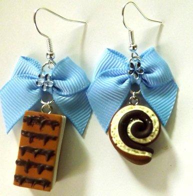 Orecchini con fiocchetto azzurro,dolcetti in fimo idea regalo per lei