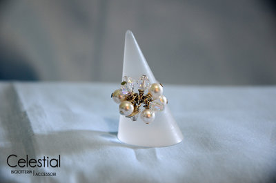 Anello con Biconi e Perle - White