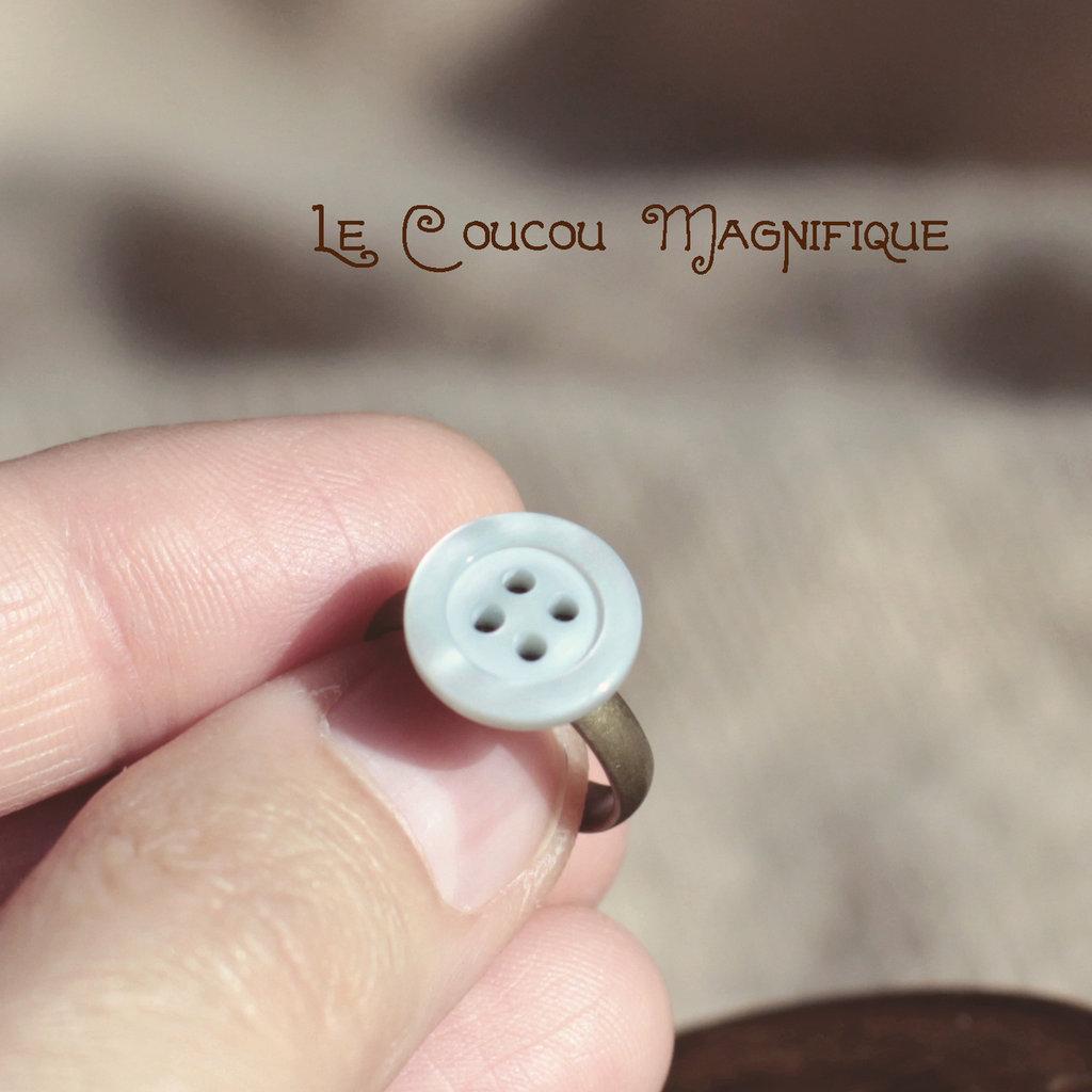 Anello bimba con bottone  in madreperla azzurro - A.25.2015