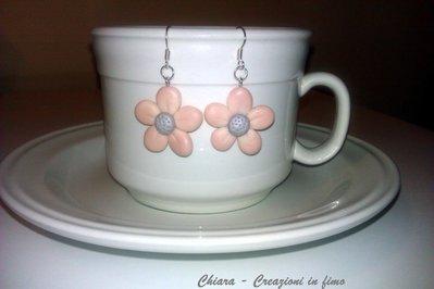 Orecchini in fimo eleganti handmade fiorellini romantici rosa idee regalo donna