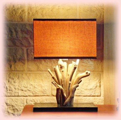 TOCAIO lampada con legni di mare