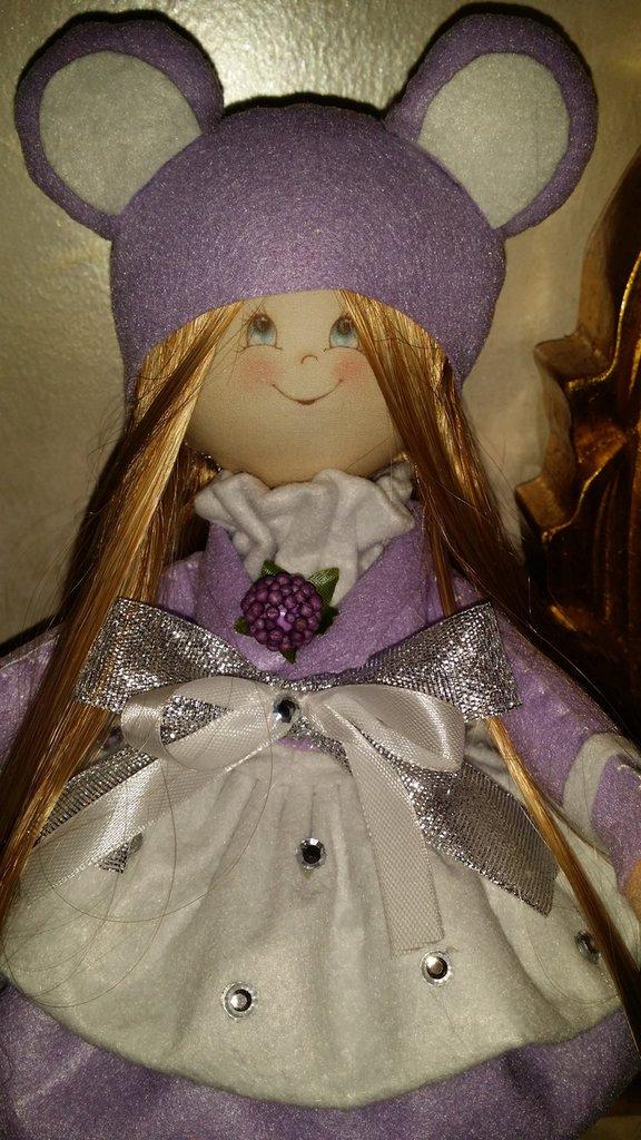 Bambola in feltro angie