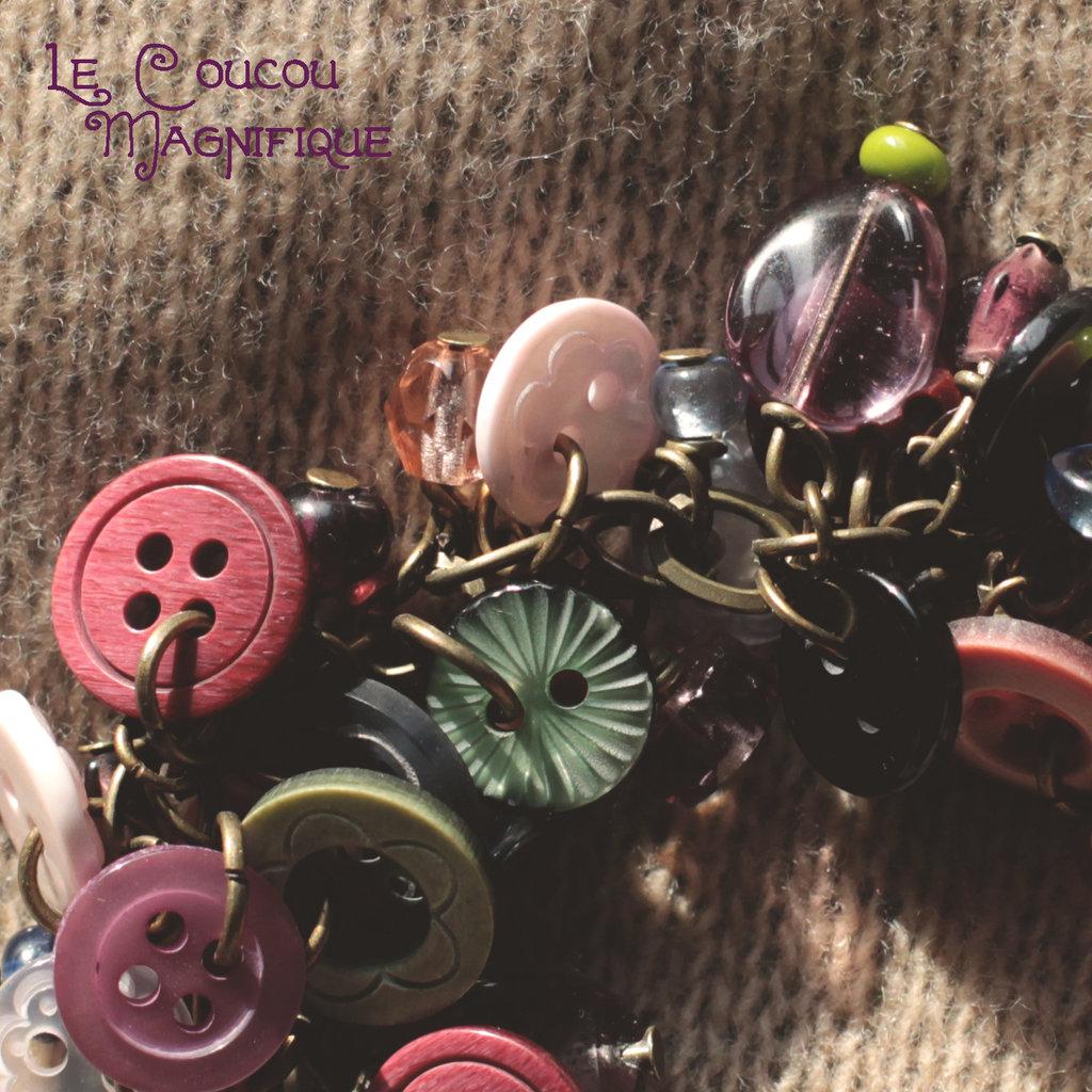 B.23.2015 - bracciale romantico con charms e bottoni rosa e verdi