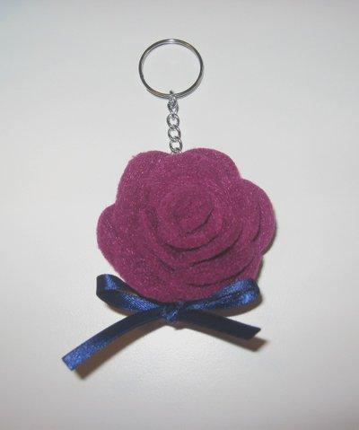Portachiavi in feltro - rosa viola