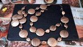 Parure perle tonde e tringolari piatte in bronzo striato